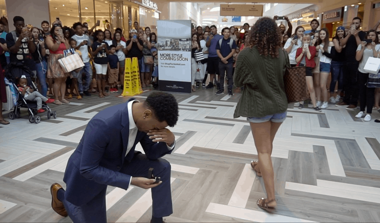 7 People You Will Find at Every Public Proposal in Nigeria