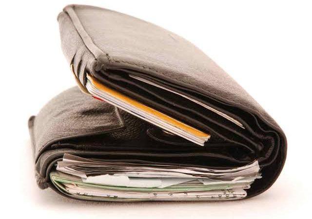 6 Things Nigerian Men Leave in Their Wallets